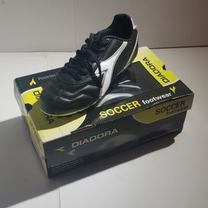 Diadora Youth Soccer Cleats